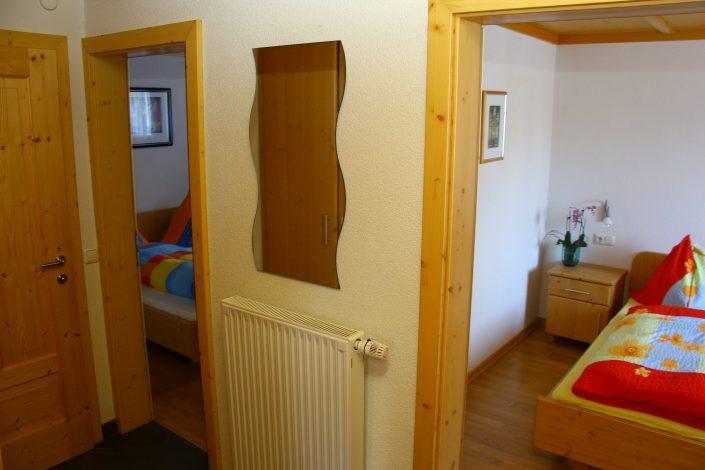 Appartement Asitz Vorraum zu den 2 Schlafzimmern